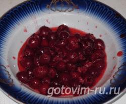 Десерт с вишней и сливками